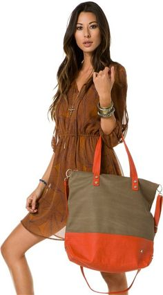 NIXON STOPPER TOTE > Womens > Accessories > Bags   Swell.com