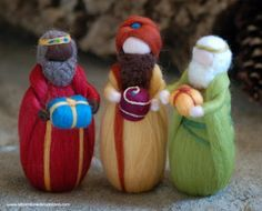 Magi three essays in wool fairy tale Waldorf inspiration Christmas decoration soft sculpture collectible doll Diy Nativity, Christmas Nativity, Felt Christmas, Christmas Crafts, Christmas Decorations, Christmas Ornaments, Waldorf Crafts, Waldorf Dolls, Three Wise Men