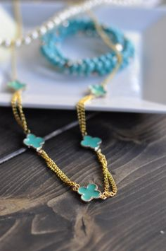 DIY - Clover Necklace Tutorial - Suburble.com