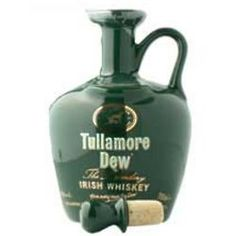 """Tullamore Dew """"Crock"""" finest Irish whiskey is triple distilled, and is a smooth mellowed Irish whiskey. Produced using only the finest barley and crystal clear water. Scotch Whiskey, Irish Whiskey, Bourbon Whiskey, Spirit Drink, Gula, Crock, Liquor, Alcoholic Drinks, Food And Drink"""