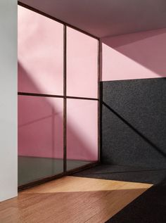 The colours and atmosphere of buildings by Mexican architect Luis Barragán are captured in these realistic model photographs by artist James Casebere.