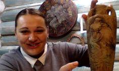"""Наталья Каримова знает и любит имитационные техники и сегодня она поделилась с вами одной из них: мы создали на кувшине такую фактуру, будто это древний сосуд с барельефом, которому сотни лет. Хотите научиться создавать """"старину"""" своими руками? Смотрите запись http://webinar.newdirections.ru/16572/room/1043/  А если вам близки техники имитации камня - бирюзы, мрамора, яшмы, если вам нравится создавать объемные рельефные украшения на работах - загляните на страничку спецпредложений Наташи…"""