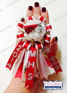 Creative Custom made Homecoming Mums and Garters for North DFW area Flower Mound, Marcus, Lewisville, Colleyville, Coppell and more. FEATURING MELZ MAKE YOUR OWN MUM KIT - packed with all the homecoming mum suppl Homecoming Mums Senior, Football Homecoming, Homecoming Corsage, Homecoming Garter, Homecoming Ideas, Senior Year, Homecoming Flowers, Homecoming Dresses, Cheer Gifts