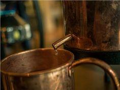Schnaps selbst brennen - kleines Schnapsbrennseminar VILS | Schnapsbrenn-Seminar | Ingenieurbuero Andreas Heiss | myobis Moscow Mule Mugs, Tableware, Small Bottles, Alcohol, Dinnerware, Tablewares, Dishes, Place Settings
