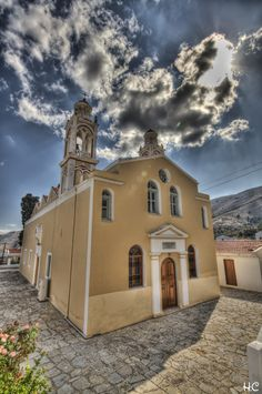 Symi Church, Greece Beautiful Islands, Beautiful Places, Amazing Places, Places Around The World, Around The Worlds, Small Island, Cathedrals, Mosques, Greece Travel