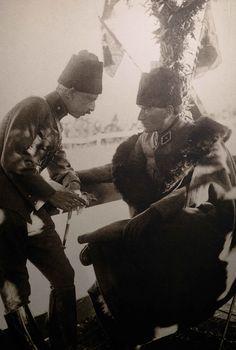 Mustafa Kemal Atatürk -Ankara Büyükşehir Belediyesi Basın Merkezi, Kızılay Sanat Galerisi'nde bu fotoğraf ve daha fazlası, 5 Ocak 2013'e kadar sergilenecektir- Ottoman Turks, Republic Of Turkey, Turkish Army, The Turk, Great Leaders, World Peace, Ottoman Empire, Historical Pictures, Istanbul Turkey