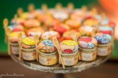 Potinhos de papinha com tecido e doce caseiro