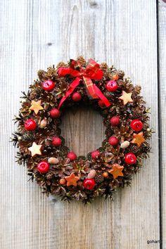 Gohart wianek, wieniec na drzwi,wianek boże narodzenie, stroik boże narodzenie, wianek szyszki, wianek handmade, christmas  wreath,