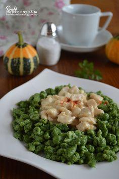 Bevallom a spenót a gyengém, hetente készítek főzeléket, sőt ha Győrbe megyünk és gyorsan kell ebédelni, akkor a kedvenc helyemen spenótot ...