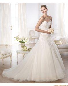 2015 Ausgefallene Trägerlose Brautkleider aus Softnetz mit Applikation