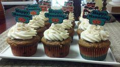 Pumpkin cupcakes w/ cinnamon cream cheese frosting