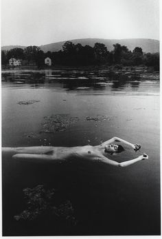 <p> </p><p>Floating nude © Ralph Gibson</p><p> </p>