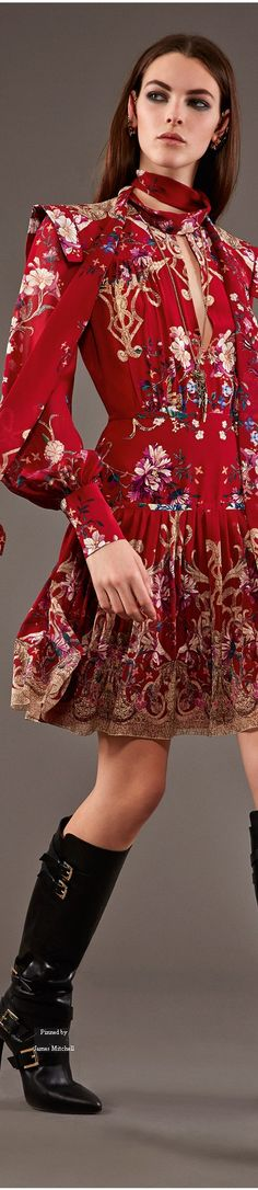 Roberto Cavalli Pre-Fall 2015 Collection....Amazingly massive Italian back-up to the Ukranian crises ...Roberto,D&G , Valentino...I rise my head to such a cultural solidarity of an artists ! Bellisimo , Bravo !