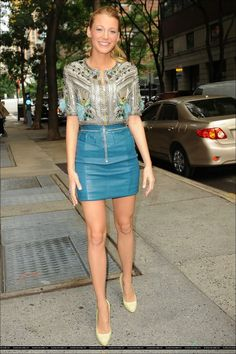 Blake Lively in Matthew Williamson Blake Lively Outfits 08d4f7905