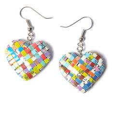 Herzform gewebt Zeitschriftenpapier Ohrringe  Diese Herz-Form-Papier-Ohrringe…