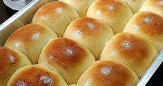 Pãozinho de liquidificador delicioso Stuffing Ingredients, Bread Ingredients, Bread Recipes, Baking Recipes, Cake Recipes, Portuguese Sweet Bread, Confort Food, Cheese Bread, Bread Rolls
