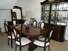 UF Arianne Dining Room Set. Italian Lacquer. Gorgeous Buffet & Hutch