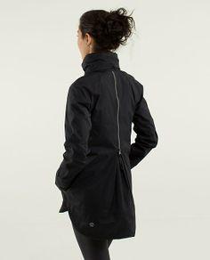 Lululemon Fo Drizzle Rain Jacket in black