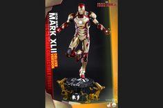 【クオーター・スケール】『アイアンマン3』1/4スケールフィギュア アイアンマン・マーク42 [ボーナスアクセサリー付き]