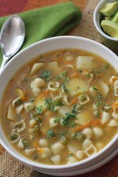 Sopa de Pasta/Colombian Pasta Soup www.antojandoando.com