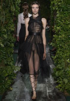 Valentino Women Haute Couture Look Fall 2015 Collection Look 37