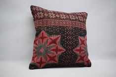 handwoven kilim pillow sofa pillow ethnic pillow home decor naturel kilim pillow bohemian kilim pillow cushion cover 01208 Aztec Pillows, Boho Pillows, Kilim Pillows, Kilim Rugs, Throw Pillows, Star Rug, Hand Weaving, Pillow Covers, Ethnic