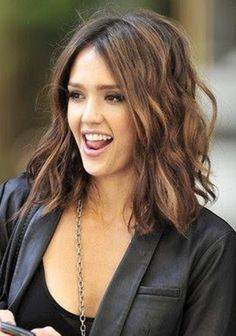 A mid-length bob, cut just below the shoulders. A perfect length, easy to wear up or down