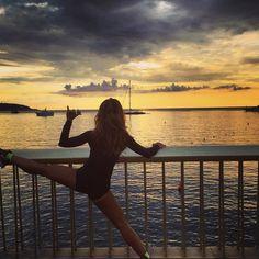 "#Larvotto Hell Yeah its MONDAY #BringitOn NOTHING Like a GOOD Wiiiiide STRETCH can make YOUR Monday LIKE #EverdayIsASaturday#Stretch#RiseandGrind FOLKS and BONJOUR A TOUS"" #sunrise_sunsets_aroundworld#sunriselovers#AmazingView#Stunning#WorkingMum#Fitmom#LoveFitness#Squat#Yoga#martialarts#Crossfit#Runner#CardioBoxing ""THE WHOLE LOT""  ""LETS DO IT"" #Monaco  , #ONEPHOTOONELIFE , #cloudporn#M"