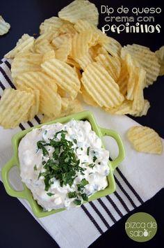 14 Botanas fáciles de hacer que te encantarán si amas el queso Veggie Recipes, Vegetarian Recipes, Snack Recipes, Cooking Recipes, Healthy Recipes, Hummus, Deli Food, Party Dishes, Kitchen Recipes
