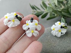 White Daisies beads 1 pc Daisy Lampwork Flower Beads Flower