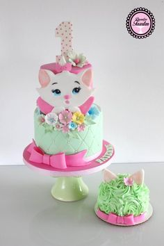 It's been ages that i posted a cake! I have been so busy with my own cake bussines :-) that i didn't had much time to post. Hope you like my Marie. Kitten Cake, Rodjendanske Torte, Baby Girl Cakes, Hello Kitty Cake, Baby Birthday Cakes, Beautiful Birthday Cakes, Animal Cakes, Disney Cakes, Love Cake