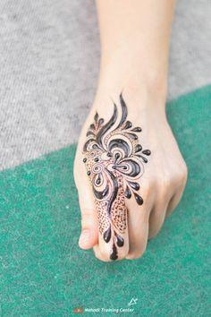Mehndi Designs 2018, Mehandi Designs, Simple Henna Tattoo, Hand Henna, Tribal Tattoos, Ideas, Make Up, Thoughts