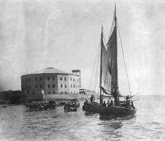 1875 Bs As, antiguo panorama de Retiro, devenido Hotel de Inmigrantes, visto desde el río