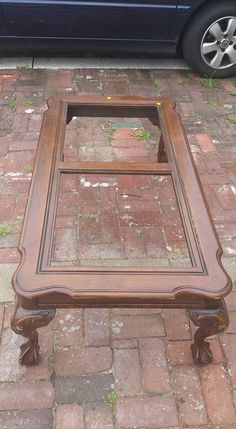 As soon as I saw thi As soon as I saw this sad poor looking table on the side of the road I knew I just had to do something with it. I had been lookig to expant my seating and I just knew it would make a perfect storage bench. Old Furniture, Repurposed Furniture, Furniture Projects, Furniture Makeover, Outdoor Furniture, Refurbished Furniture, Unique Furniture, Reclaimed Furniture, Recycling Furniture