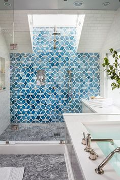 Blue patterned shower tile via House of Turquoise & Massucco Warner Miller Interior Design Navy Bathroom, Bathroom Bin, Brown Bathroom, Bathroom Sets, Small Bathroom, Moroccan Bathroom, Turquoise Bathroom, Tropical Bathroom, New Bathroom Ideas