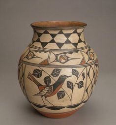 Fabulous Santo Domingo Bird Jar, c. 1925-30
