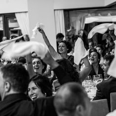 Esküvői fotós, esküvői fotózás a Nászriporterektől Wedding Photos, Concert, Marriage Pictures, Concerts, Wedding Photography, Wedding Pictures
