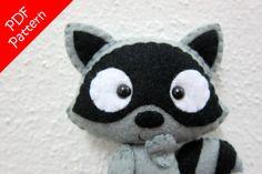 Raccoon Plush PDF Pattern Instant Digital Download by araleling Raccoon Craft, Felt Fabric, Sewing Basics, Photo Tutorial, Pdf Sewing Patterns, Wool Felt, Coin Purse, Plush, Felt Projects