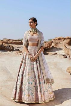 15 Anita Dongre Lehenga Designs With Prices - SetMyWed Indian Wedding Gowns, Indian Bridal Outfits, Indian Bridal Wear, Indian Designer Outfits, Indian Outfits Modern, Wedding Mandap, Indian Fashion Designers, Wedding Stage, Wedding Receptions