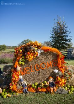 2015 Halloween flower and hay bales decoration with dolls - welcome Harvest Party, Fall Harvest, Autumn, Outdoor Halloween, Fall Halloween, Happy Halloween, Thanksgiving Decorations, Halloween Decorations, Hay Bale Decorations