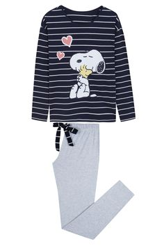 long striped pyjama with Snoopy graphic Cute Pijamas, Pijamas Women, Lazy Day Outfits, Cute Comfy Outfits, Kids Outfits, Cute Pajama Sets, Cute Pjs, Kids Nightwear, Cute Sleepwear