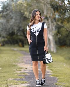 Discover recipes, home ideas, style inspiration and other ideas to try. Teen Fashion Outfits, Girly Outfits, Modest Outfits, Denim Fashion, Modest Fashion, Cute Outfits, Womens Fashion, Cute Dresses, Casual Dresses