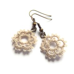 Small wedding lace earrings floral handmade lace by Decoromana,