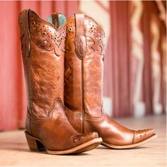 No need to wait for #blackfriday! Save 56% on these Corrals NOW! http://www.countryoutfitter.com/flash/products/36464-womens-brown-sierra-tan-collar-and-wing-tip-boot-c2670/?lhb=style&lhs=p