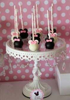 minnie mouse cake pops for birthday party Minnie Maus Cake Pops, Bolo Da Minnie Mouse, Minnie Mouse Theme, Mickey Cakes, Mini Mouse Cake Pops, Mickey Mouse Cupcakes, Pink Minnie, Baby Mouse, Minnie Birthday