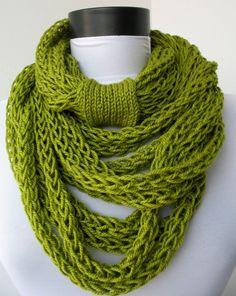 Sciarpa a mano collana - loop sciarpa - sciarpa infinity - scaldacollo - in maglia - cachemire - in kiwi verde E246