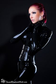 The impact of a simple black latex catsuit never ceases to amaze me!  You can enjoy more glossy latex photos on www.susanwaylandclub.com