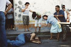 Alex Webb, Murder scene -- the result of an argument in a nearby bar, Tenosique, Mexico, 2007 Photography Tutorials, Color Photography, Film Photography, Photography Names, Photography Composition, White Photography, Landscape Photography, Nature Photography, Travel Photography