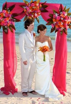 Cute arch for an outside wedding