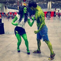 Pin for Later: Break the Internet With These Clever Costumes She-Hulk and Hulk She Hulk Costume, She Hulk Cosplay, Clown Costumes, Diy Costumes, Costume Ideas, Clever Halloween Costumes, Couple Halloween, Halloween 2018, Halloween Makeup